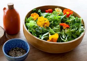 فروشگاه آنلاین گل و گیاه گلیتال | چه گل هایی در غذا استفاده می شود؟