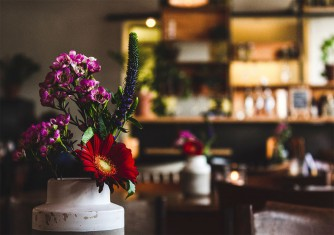 فروشگاه آنلاین گل و گیاه گلیتال | مناسبترین گل برای کافه